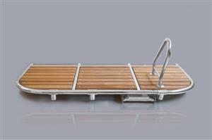 Plancia di poppa con doghe Iroko e scala